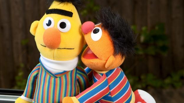 Die Puppen Bert und Ernie von der Sesamstrasse.