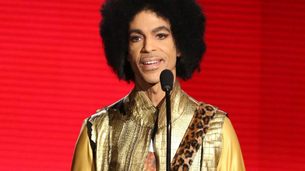 Der verstorbene Musiker Prince während einer Preisverleihung.