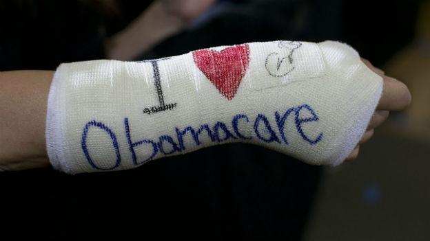 Die neue obligatorische Krankenversicherung in den USA gibt vor allem wegen Pleiten und Pannen zu reden.