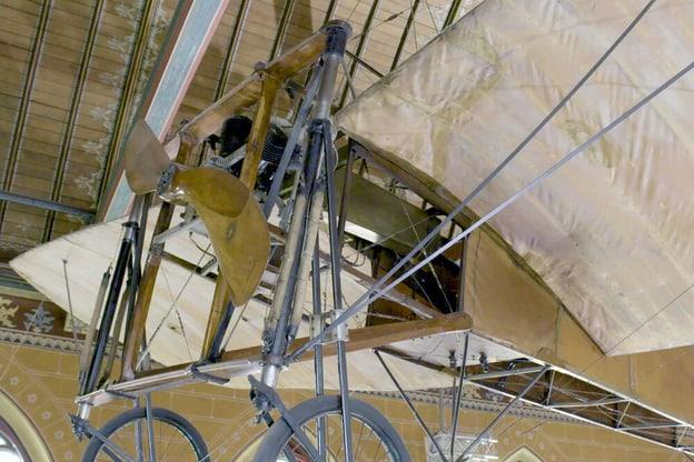 Zur Detailseite von Mit fliegender Kiste über den Kanal: Louis Blériot