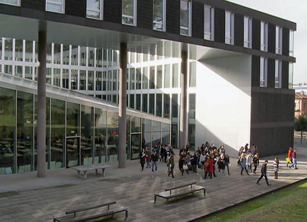 Zur Detailseite von Die Schweiz bauen: Architekturschule Mendrisio