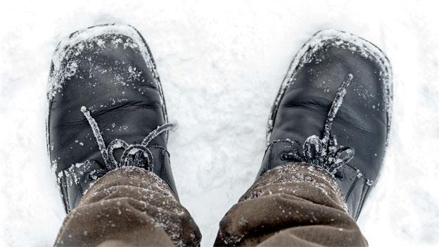 Der Kampf gegen Salzränder - Schuhpflege im Winter
