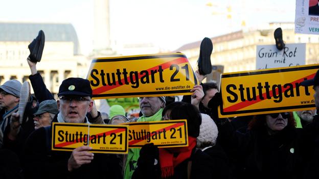«Blick in die Feuilletons»: Direkte Demokratie und Multitasking