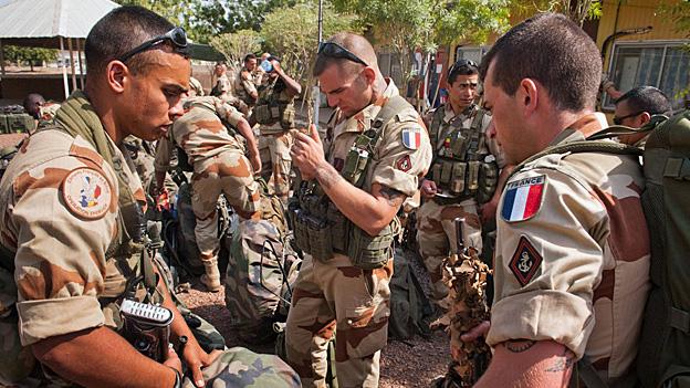 Frankreich weitet Militär-Engagement in Mali aus