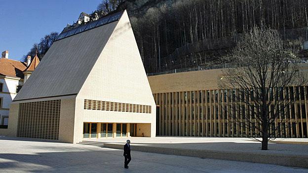 Liechtenstein muss den Gürtel enger schnallen