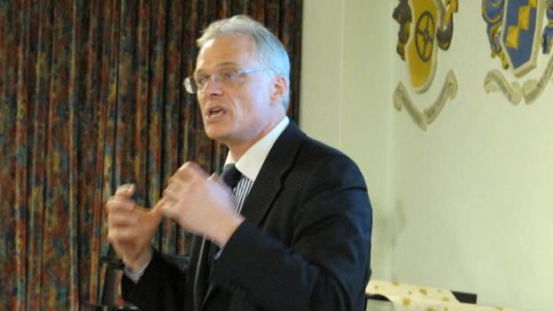SVP Schaffhausen unterstützt Abzocker-Initiative