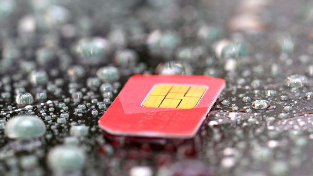 Swisscom hebt unsinnige SIM-Kartensperre endlich auf