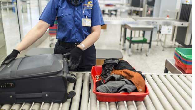 Was für Handgepäck beim Fliegen erlaubt ist