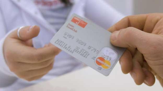 Kreditkarte im Ausland: Lokale Währung wählen
