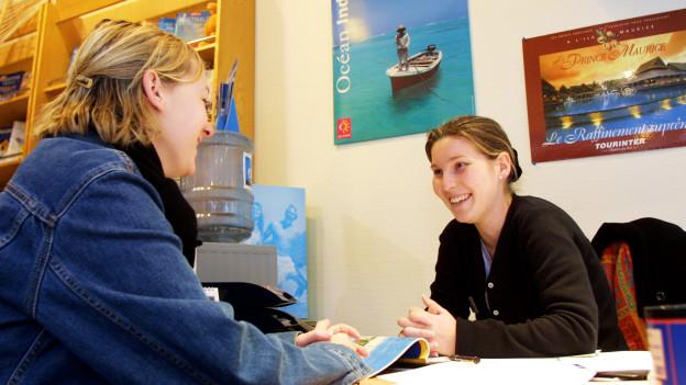 Audio «Darf Reisebüro eigenen Fehler dem Kunden verrechnen?» abspielen