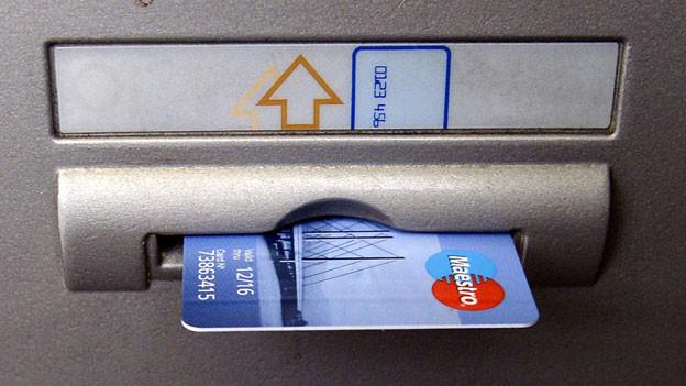 Audio «Geoblocking: Banken sperren die Maestro-Karten ihrer Kunden» abspielen