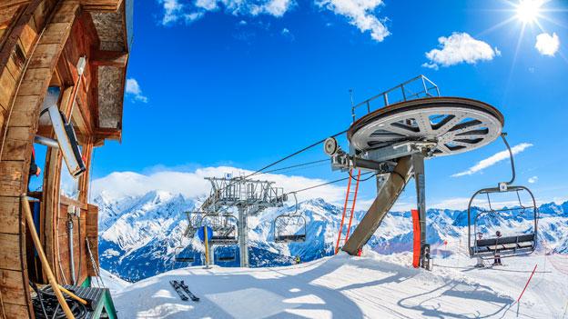 Talfahrt mit dem Sessellift: Für Skifahrer verboten!
