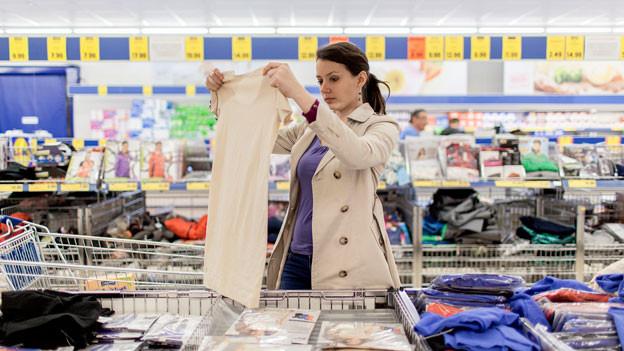 Audio «Textilindustrie: Können Billigkleider sozial sein?» abspielen
