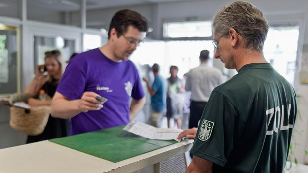 Neue Zollregelung: «Der deutsche Staat will die Kasse füllen»