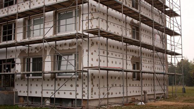 Audio «Nationales Gebäudeprogramm: Kantone geben nur die Hälfte aus» abspielen