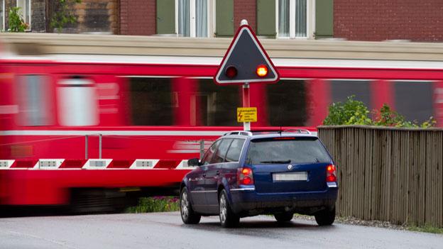 «Espresso Aha!»: Beim Bahnübergang Standlicht oder nicht?