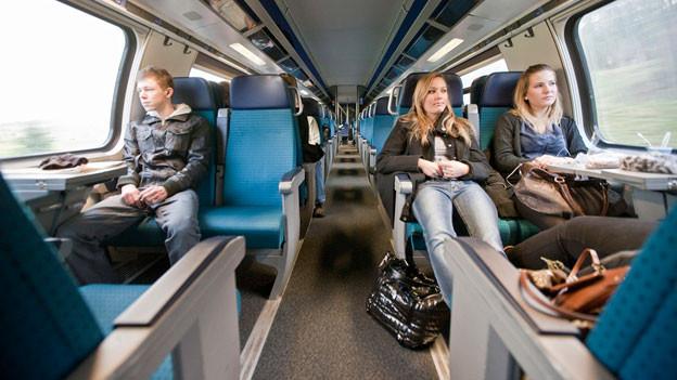 Audio «Warum ist die Sitzplatznummerierung in Zügen so chaotisch?» abspielen.