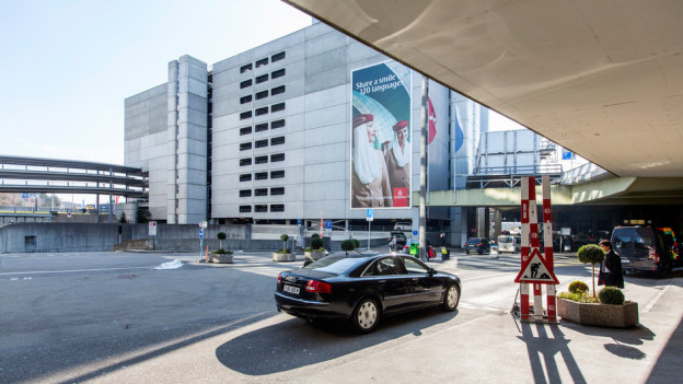 Audio «Flughafen-Parkservice fährt mit Auto fast 80 km» abspielen.