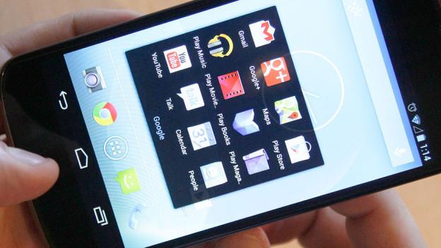 Audio «Smartphone-Apps: Vorsicht mit der Freigabe persönlicher Daten» abspielen