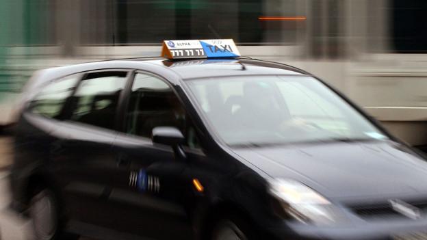 Audio «Post liefert Pakete neu auch Sonntags: Per Taxi!» abspielen.