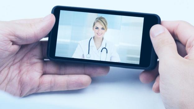 Wenn der Arzt durch das Handy Diagnose stellt