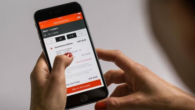 Audio «Fehlerhafte SBB-App lässt Kunden in die Falle tappen» abspielen