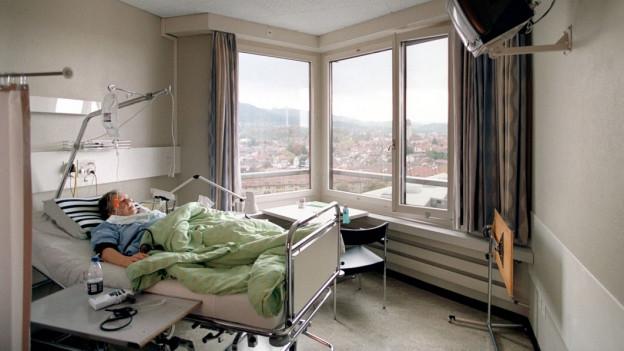 Audio «Spital-Einzelzimmer: Abrechnung pro Nacht oder pro Tag?» abspielen