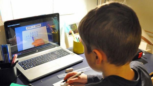 «Mein Lehrer aus dem Internet»: Mathe-Tutorials vom Primarlehrer