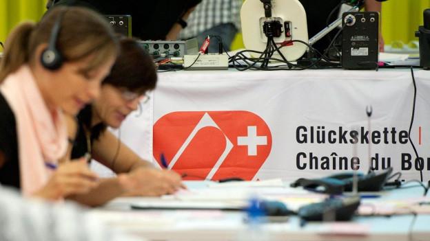 Audio «Spenden für die Ärmsten: Post verdient mit» abspielen.
