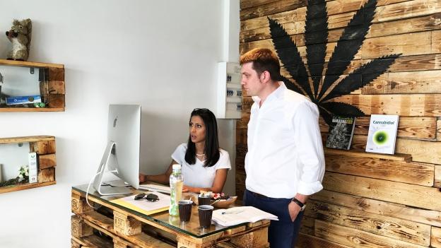 «Ich darf Ihnen das nicht sagen!»: Kein Rat in Cannabis-Läden