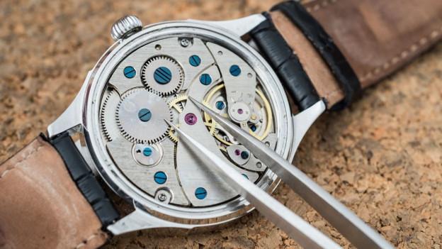 Audio «Uhren-Reparaturen: Überteuerte Preise und lange Wartezeiten» abspielen