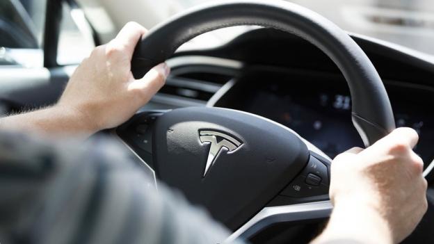 Lässt Luxus-Technik in Autos bald die Prämien schmelzen?