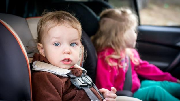 Muss man Kindersitze nach einem Unfall ersetzen?