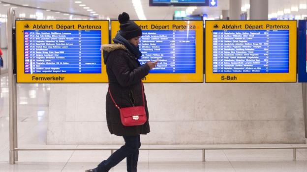 Der leise Abschied der weissen Fahrplanplakate