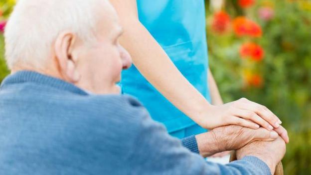 Rechtsfrage: Gibt es Freitage für die Pflege kranker Angehöriger?