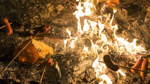 Wer haftet, wenn nach dem Bräteln der Wald brennt?