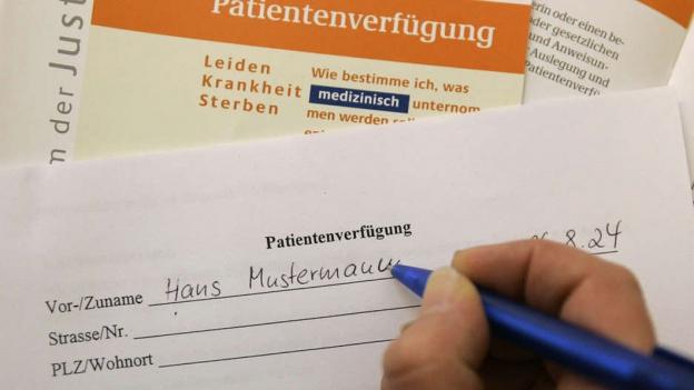 Rechtsfrage: Mit eigener Patientenverfügung ins Spital?