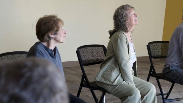 Therapieform oder Lebenshaltung? Bewegungslehre nach Feldenkrais