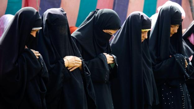 «Islamische» Kleidung ist arabische Tracht
