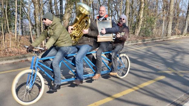 Antreten zum Auftritt: Mit 4 Musikerstärken auf dem Quandem!