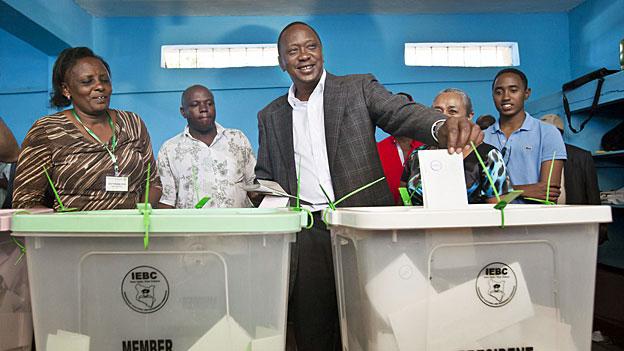 Kenia wartet auf die Wahlresultate
