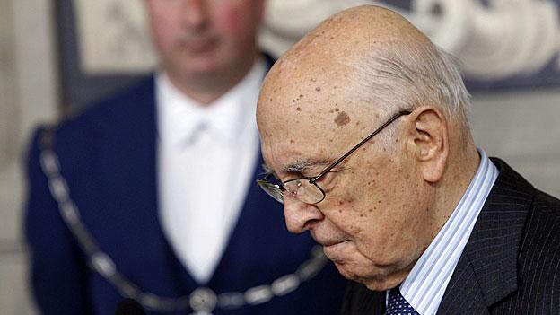 Italiens Staatspräsident Napolitano gerät zwischen die Fronten