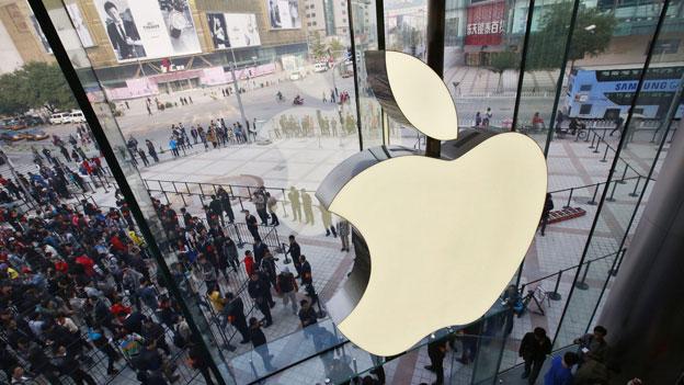 Applechef Tim Cook auf dem heissen Stuhl
