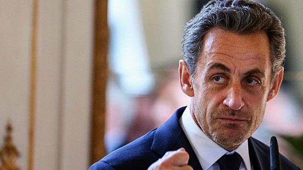 Nicolas Sarkozy zieht den Kopf aus der Schlinge