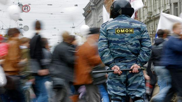 Moskauer Gericht spricht acht Kremlgegner schuldig