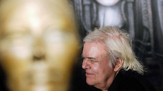 Kurator Andreas Hirsch zum Phänomen HR Giger