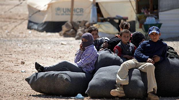 Bundesrätin Sommaruga besucht Flüchtlingslager in Jordanien