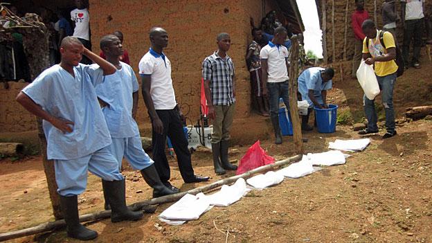 Ebola in Sierra Leone - Kampf gegen alte Traditionen