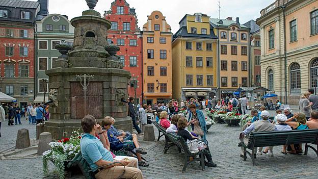 Schwedens Regierung nimmt Abschied von der Neutralität