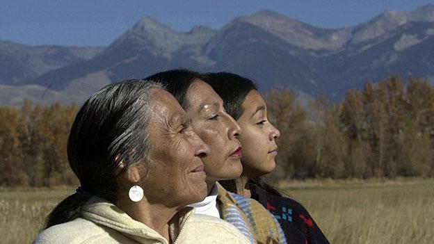 Die indigenen Sprachen in den USA vor dem Aussterben retten